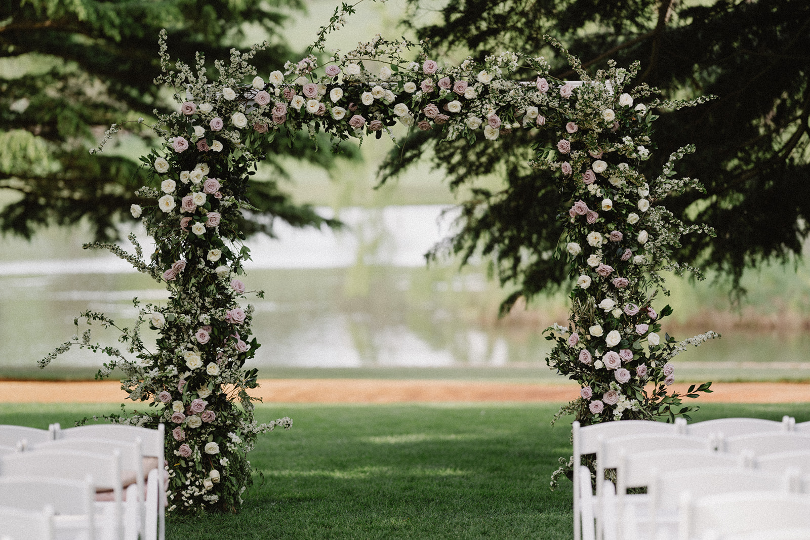 wedding arch | floral arrangement | Tumbleweed Events